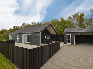 Stunning home in Højby w/ WiFi and 3 Bedrooms