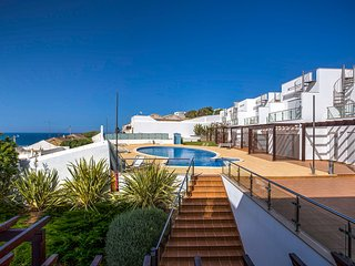 Just a stones throw away from the main beach and square in Carvoeiro!