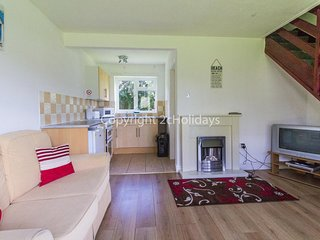 4 berth chalet to hire in just walking distance to Hemsby beach ref 18152B