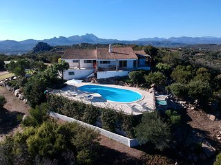 Elegant Villa by Porto Cervo, Sardinia, Italy sleeps 6/8