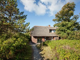 Cozy Holiday Home in Vlieland with Beach nearby