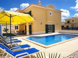 Hali White Villa, Alcantarilha, Algarve