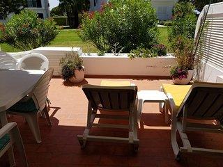 Sunny and spacious Vale do Lobo ground floor apartment