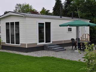Comfortable chalet with a fireplace, 3 km from Baarle-Nassau