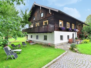 Detached holiday house in Bavarian Forest - garden, balcony and open fireplace