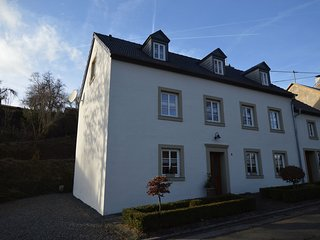 Peaceful Apartment in Plütscheid Eifel near Forest
