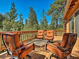 NEW! Pine Mountain Club Cottage w/Wraparound Deck!