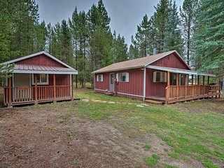 2 Cabins w/Snowmobile Parking, 0.2mi to Lake!