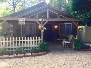 The Cottage At Pine Ridge ~ Tis The Season ~ ALPINE HELEN, GA