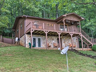 Franklin Family Home w/ 2 Decks & Fire Pit!