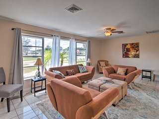 NEW! Single-Story Home ~3 Miles to Singer Island!