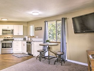 NEW! Updated Apt w/ Balcony, < 3 Mi to DT Spokane!