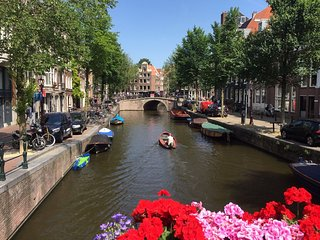 Beautiful Apartment in Amsterdam Netherlandes in a canal house