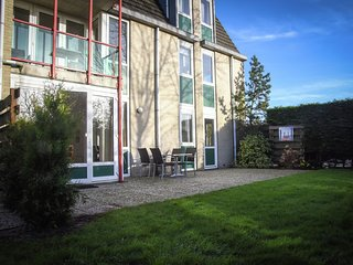 Well-kept apartment with whirlpool close to the sea on Texel