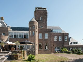 Quaint Holiday Home in Bergen aan Zee near the Sea
