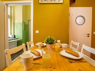 Anděl apartment w/ free WiFi - steps to metro, shopping mall & cinemas!