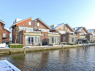 Neat apartment with dishwasher, not far from Amsterdam