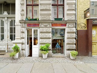Contemporary Apartment in Kreuzberg Berlin with free Wi-Fi