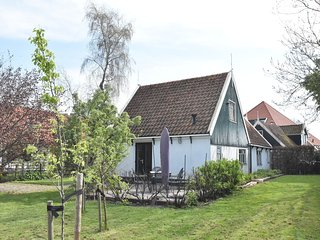 Attractive, water-front holiday home in historical Kolhorn