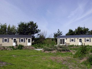 Nicely decorated chalet with two bathrooms, located on Texel
