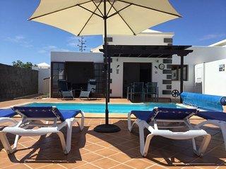Casa Del Mar, Parque Del Rey, Playa Blanca.