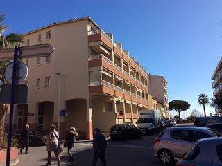Ste  Maxime-centre ville Studio 2 * -vue laterale mer- Plage 50m Pk-Clim-
