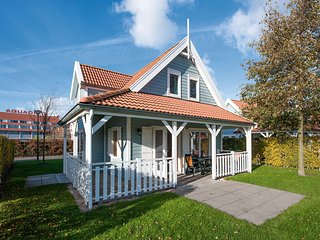 Comfortable villa with veranda, near the Grevelingen Lake