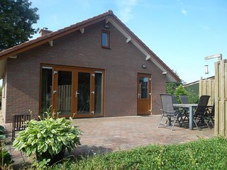 Detached bungalow with fantastic views, in the Betuwe
