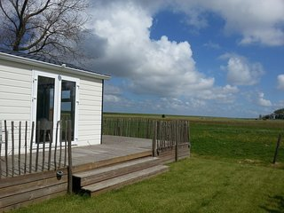 Comfortable chalet with dishwasher, near the Wadden Sea