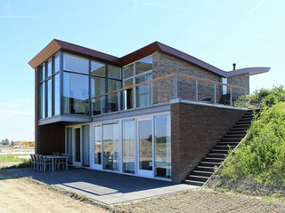 Luxurious detached villa with dishwasher near Veerse Meer