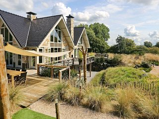 Luxurious Holiday Home with Private Pool in Noordwijk