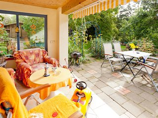 Beautiful Cottage with Fenced Garden in Kransevitz
