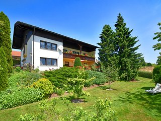Sylvan Apartment in Arnschwang with Garden