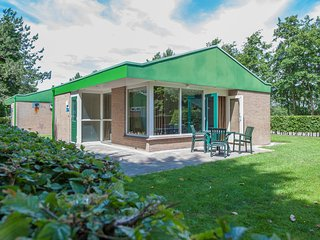 Single storey isolated bungalow 3 km. from Renesse and beach