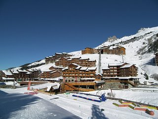 Beautiful apartment located next to the slopes and near the shops in Meribel-Mot