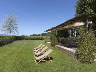 Capalbio Scalo Villa Sleeps 6 - 5815003