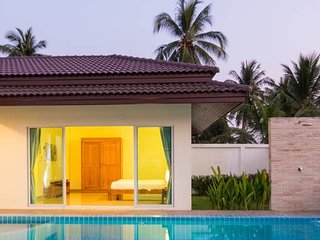 Paradise 3 bedroom private golf pool villa!