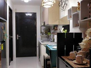 Studio Condo Resort Homestay City Living Cebu Central