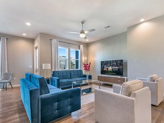 Modern 4BR Townhouse in Bienville Villas