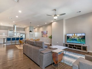 Bienville 4BR Luxury Townhouse in Mid City
