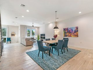 3-Level Brand New Townhouse in Mid City