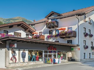 Amazing home in Rauris w/ WiFi and 1 Bedrooms