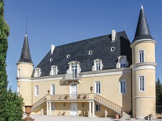 Stunning home in Pont Saint Esprit w/ Sauna, WiFi and 8 Bedrooms (FLG327)