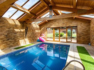 Detached House with Indoor Heated Swimming Pool and Sauna