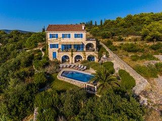 Villa Amarina, Amazing sea view, pool, daily maid, private chef