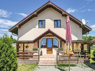 Stunning home in Sindelova w/ 3 Bedrooms