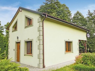 Amazing home in Ozarów w/ 2 Bedrooms