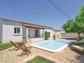Nice home in Calvisson w/ WiFi, Outdoor swimming pool and 2 Bedrooms (FLG365)