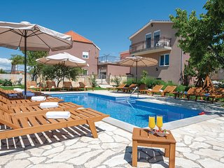 Awesome home in Sestanovac w/ WiFi, 6 Bedrooms and Jacuzzi