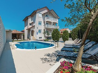 Nice home in Zadar w/ WiFi and 8 Bedrooms (CDA310)